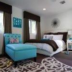 Бирюзовый и коричневый в дизайне комнат