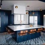 Бронзовые люстры на кухне