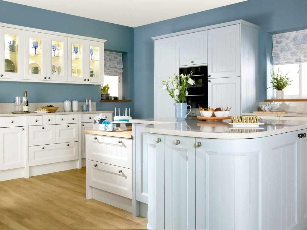 Синие стены на кухне