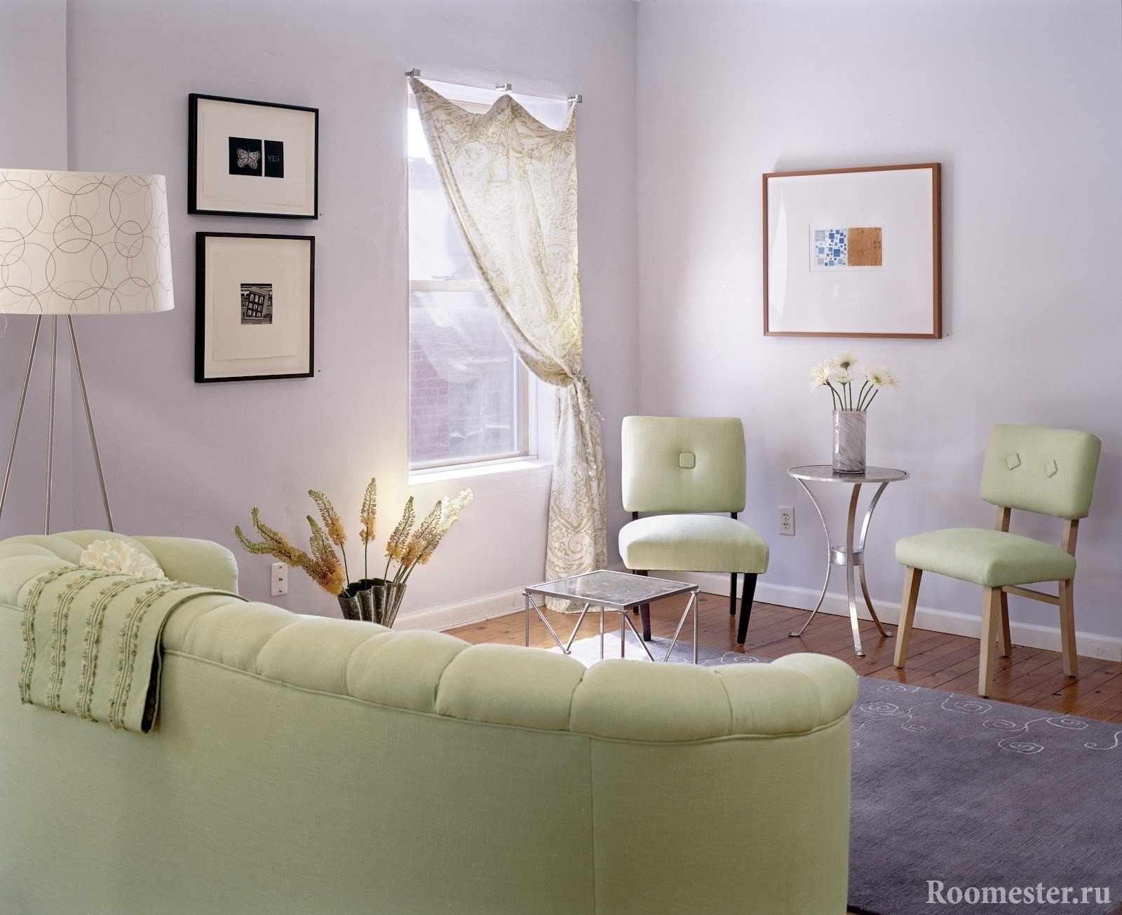 Гостиная со стенами сиреневог цвета