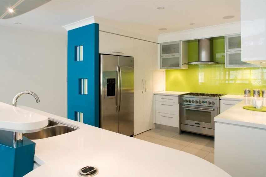 Трехцветная кухня