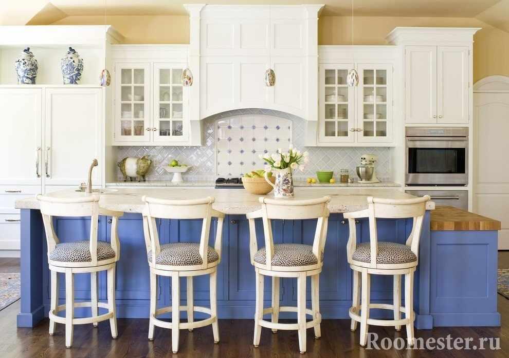 Голубая кухонная мебель