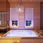 Ванна с джакузи и подсветкой