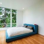Бирюзовая двухспальная кровать