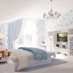 Банкетка у кровати