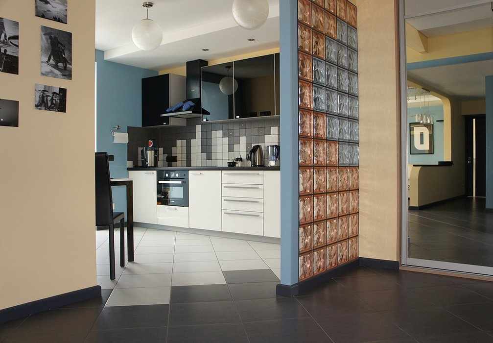Стеклоблоки на кухне