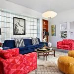 Цветная мебель в гостиной