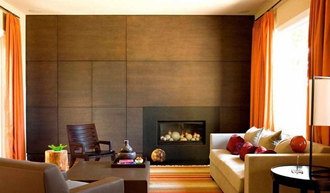 Камин и стеновые панели под дерево в гостиной
