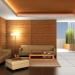 Столик из дерева у дивана