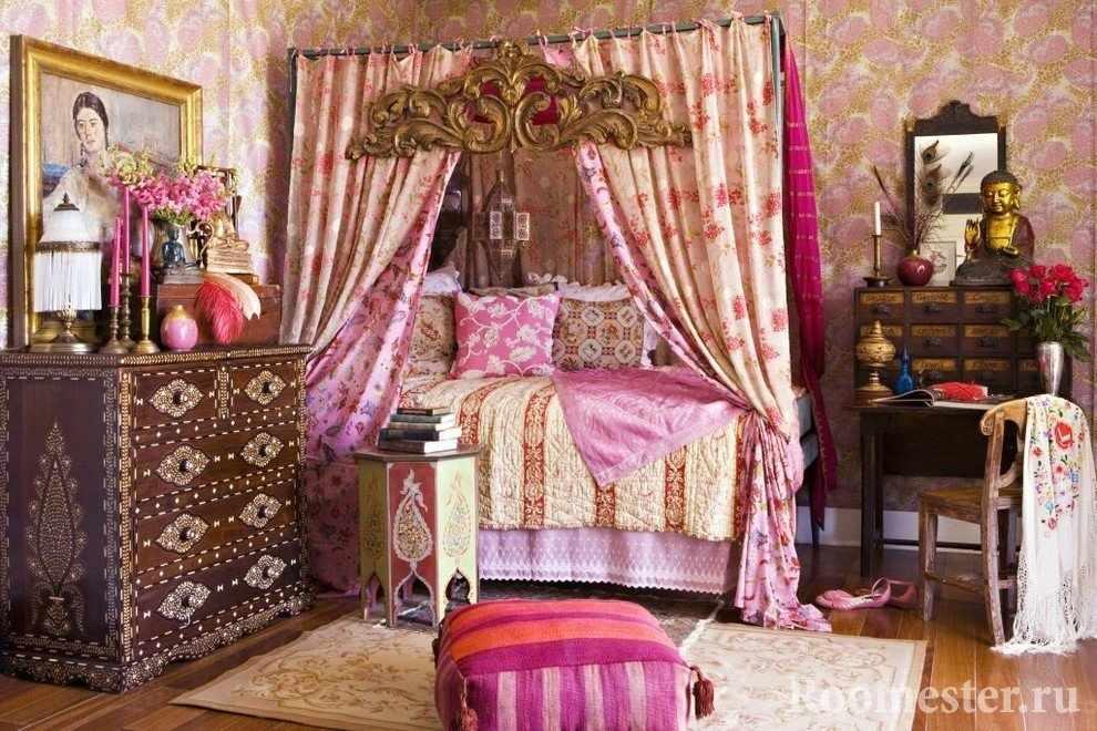 Шатер над кроватью