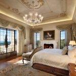 Гламурная спальня с большими окнами