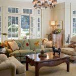 Необычные лампы у дивана