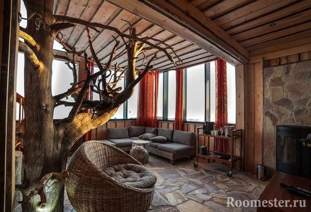 Сухое дерево в интерьере