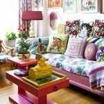 Небольшая гостиная в стиле китч