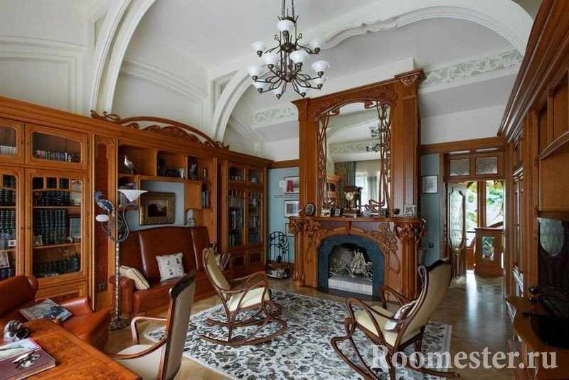 Комната со старинной мебелью