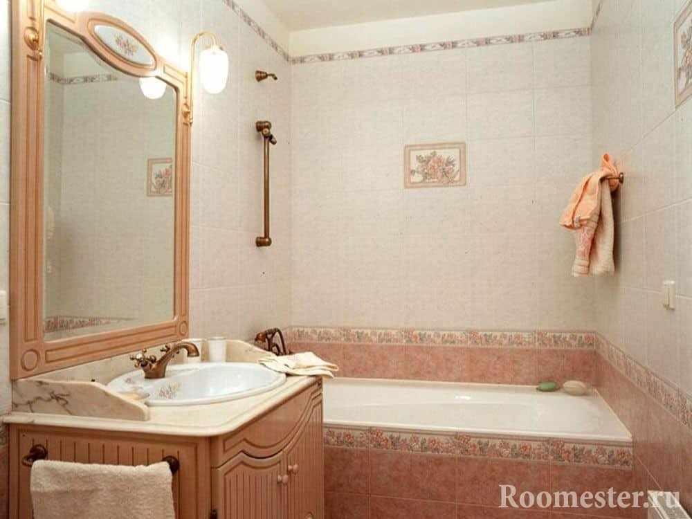 Ванная с розовой плиткой