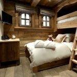 Лестница у кровати
