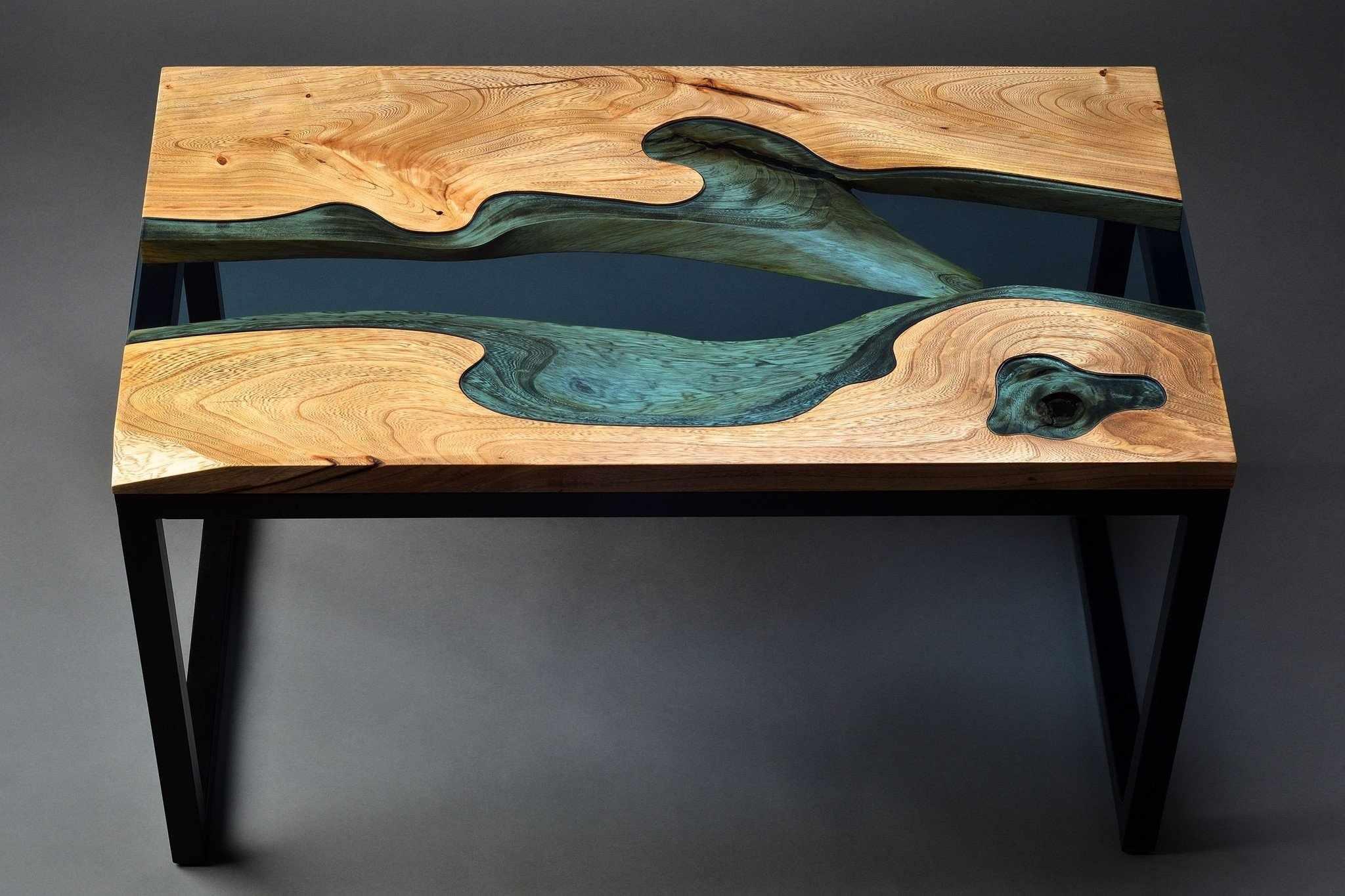 Стол «река» из эпоксидной смолы