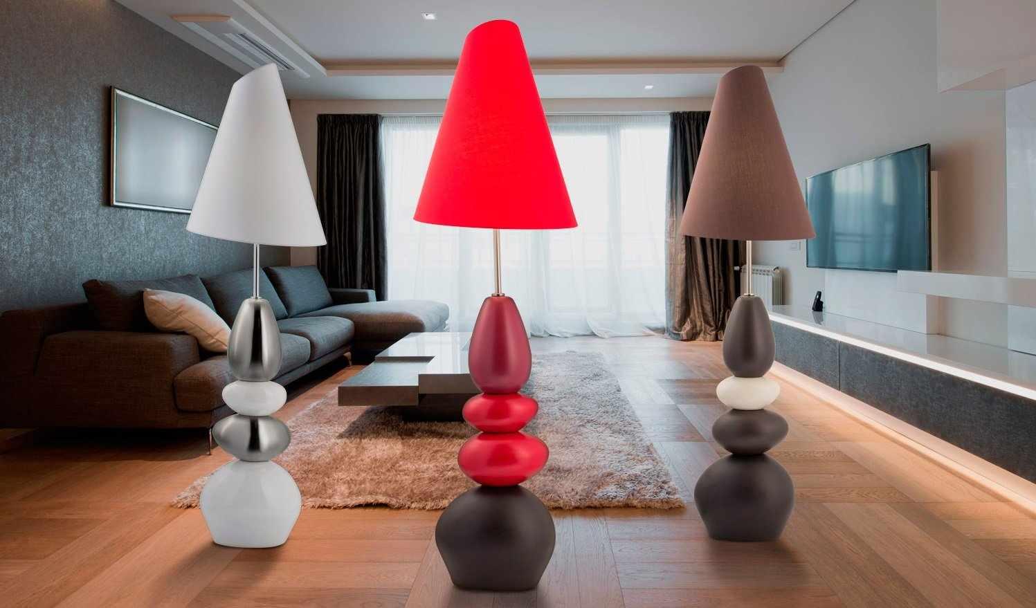 Светильники с цветными торшерами в интерьере