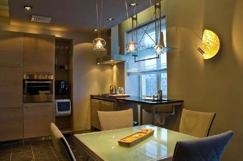 Кухня со светильниками