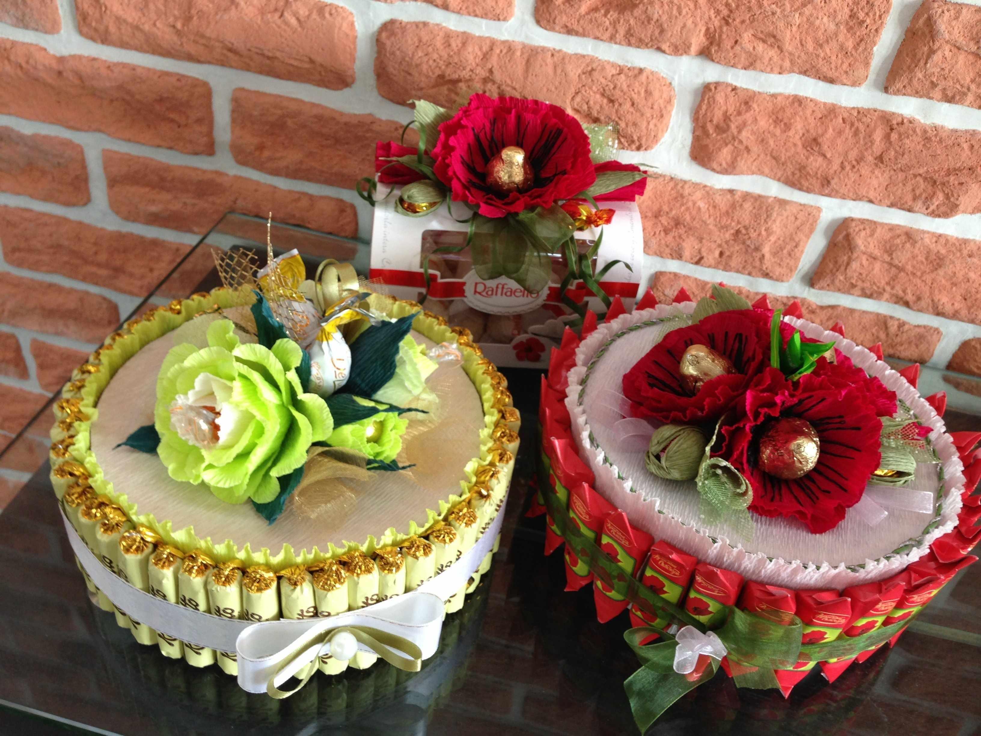 Оформление тортов цветами