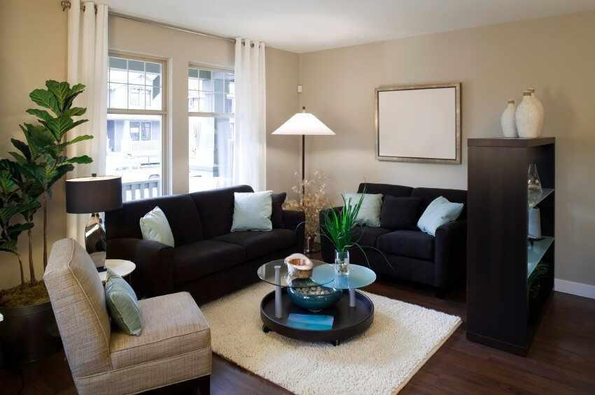 Сочетание темной и светлой мебели