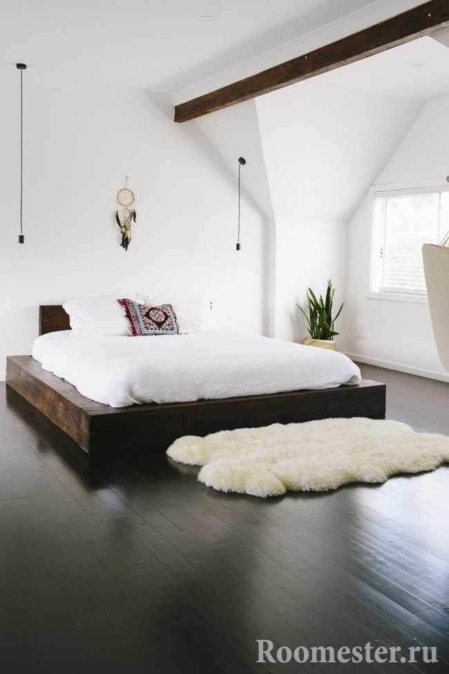 Дизайн спальни с темным полом