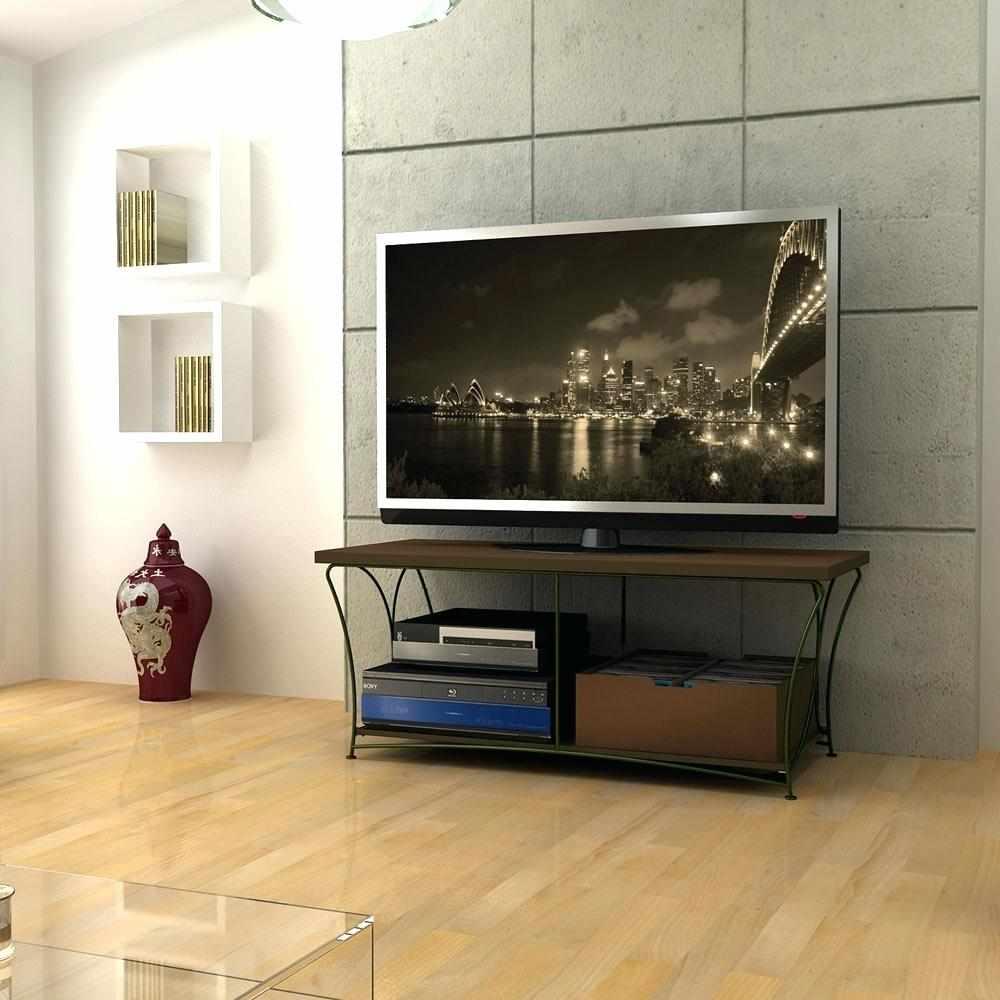 Большой телевизор на тумбе