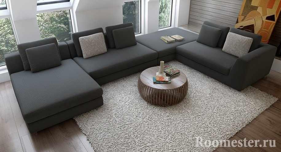Интересный столику дивана