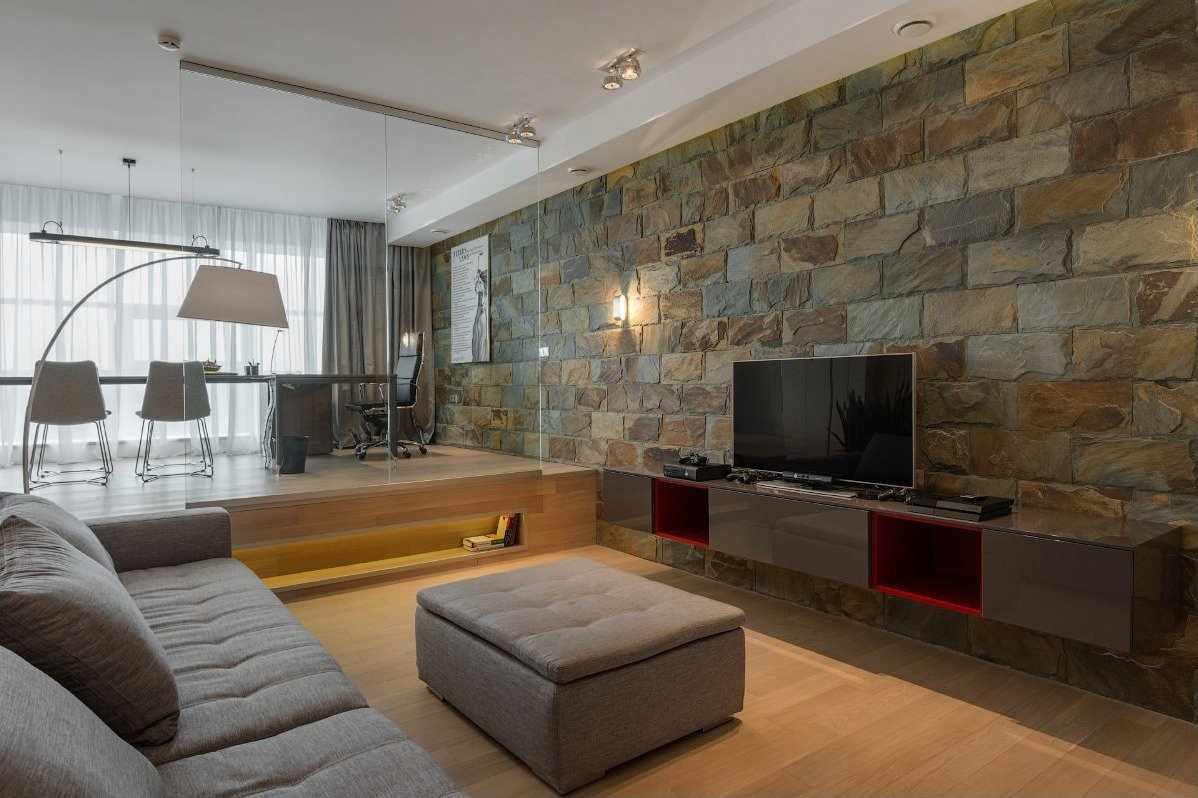 Камень в интерьере гостиной