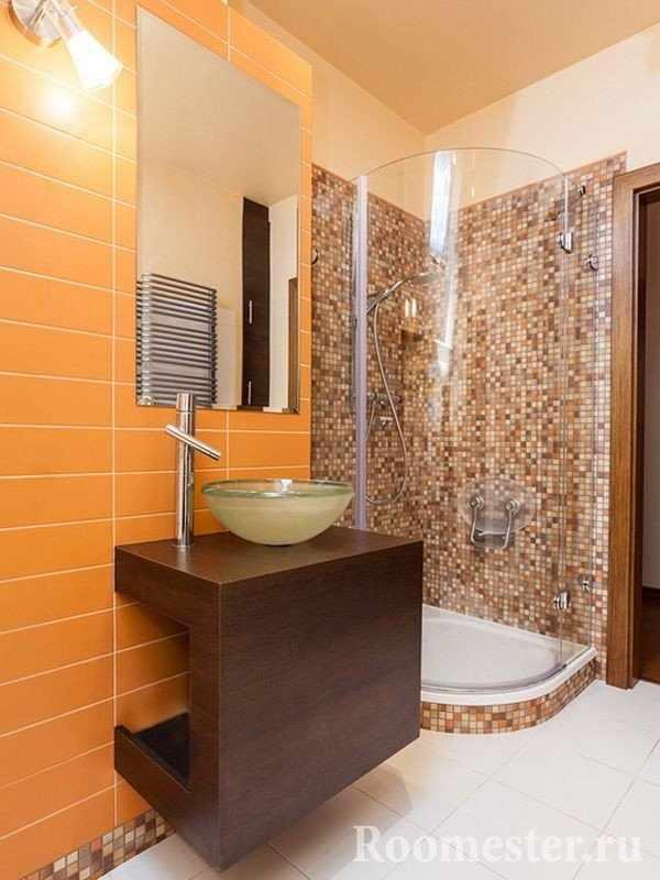 Желто-коричневая ванная комната