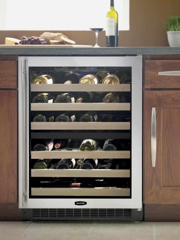 Электрический шкаф для хранения вина