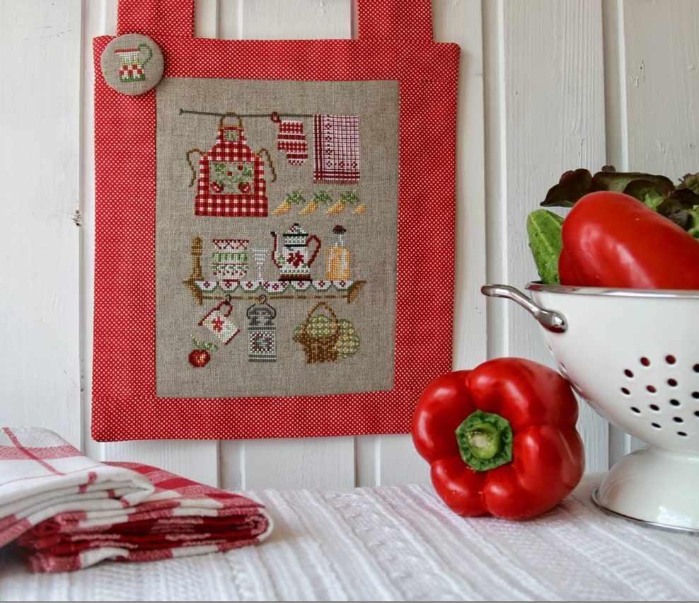 Вышивка в оформлении кухни