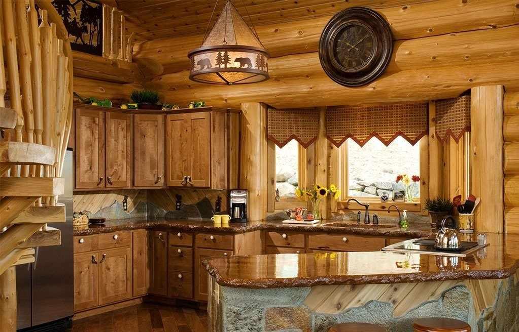 Стены из сруба в кухне