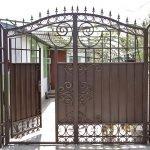 Простота - одно из преимуществ ворот с калиткой