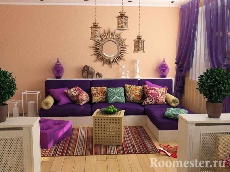 Подушки с узорами на диване