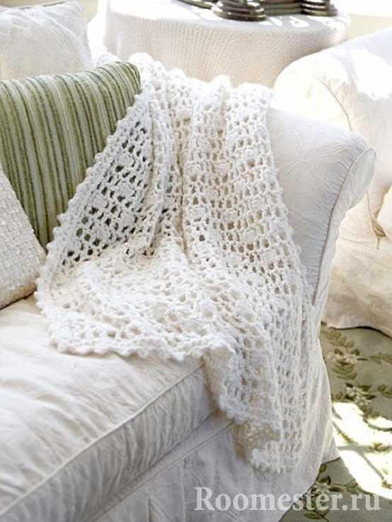 Легкое вязаное покрывало