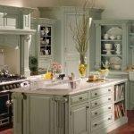 Интерьер кухни в доме в стиле прованс