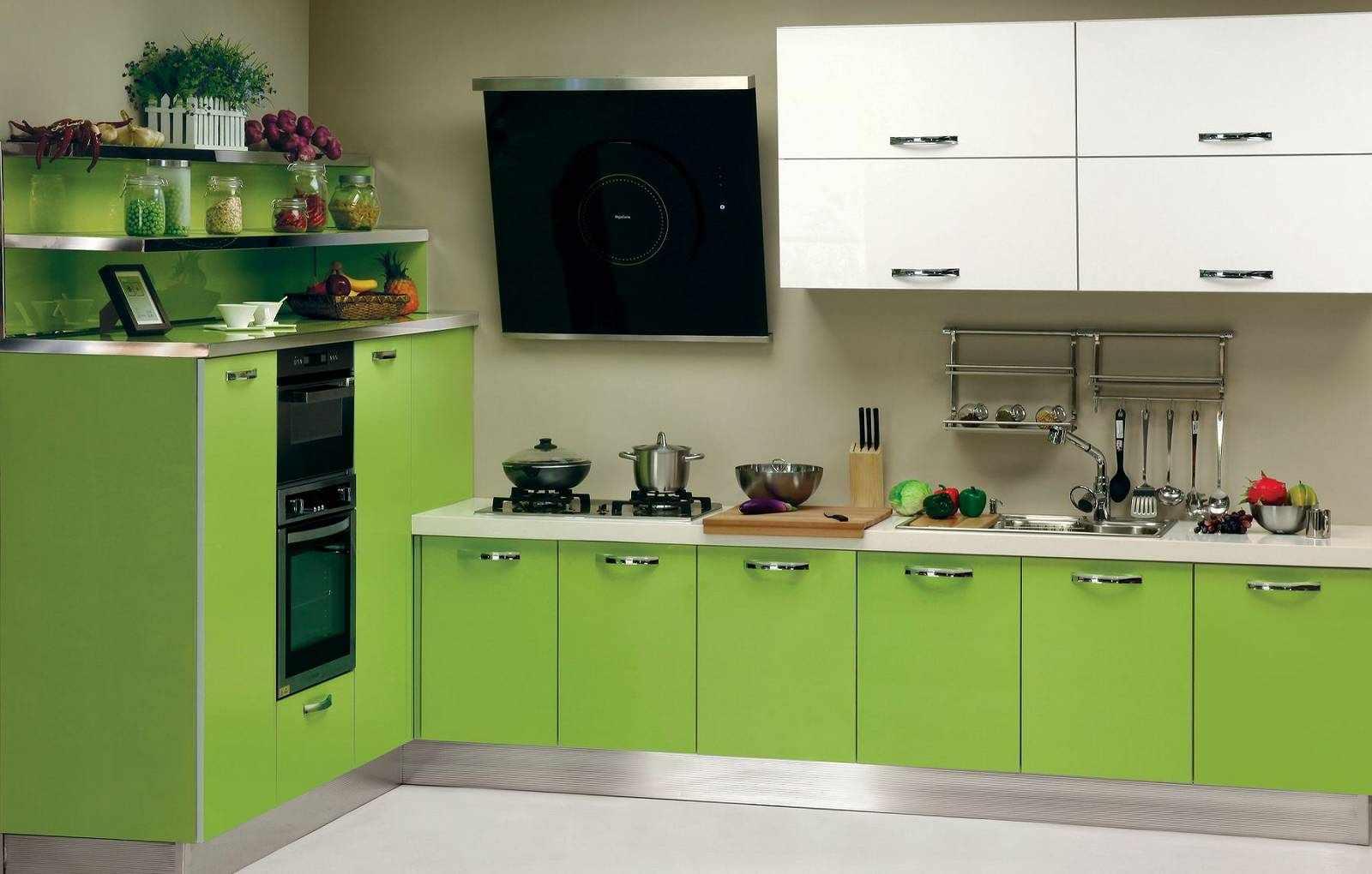 Спокойная атмосфера - одно из преимуществ кухни в зеленом цвете
