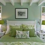 Элементы декора для зеленой спальни