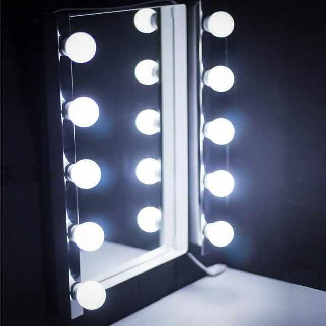 Настольное зеркало с лампами