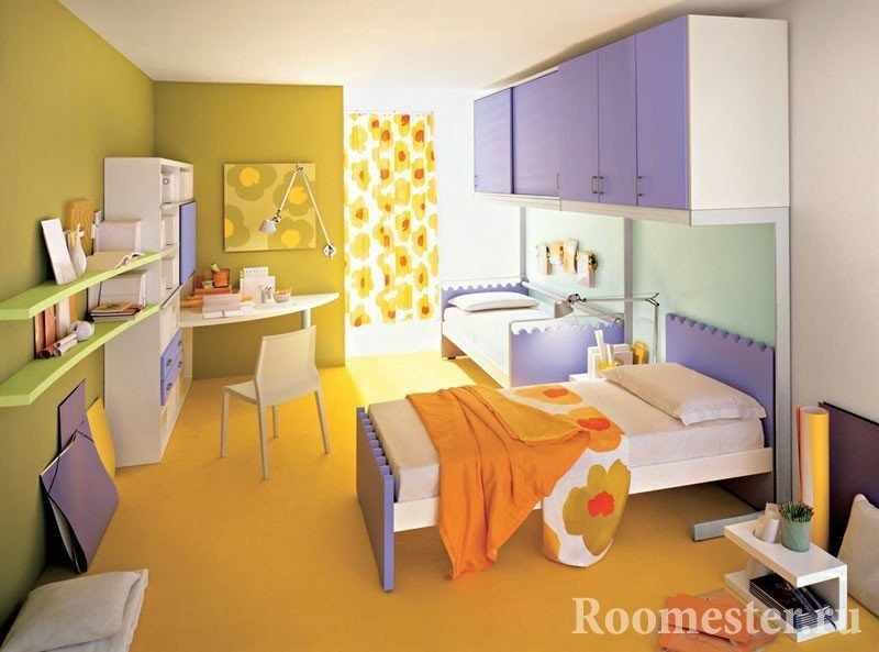 Сочетание желтого и фиолетового в детской